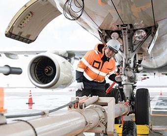 Aircraft mechanic service (maintenance assistance)